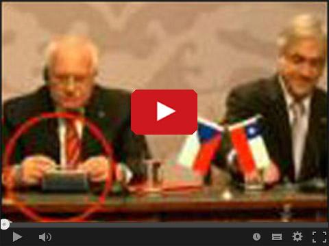 Czeski prezydent kradnie pióro
