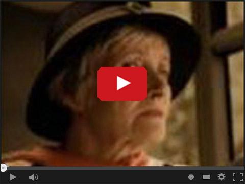 Pele z babcią w autobusie - Scena z filmu Job