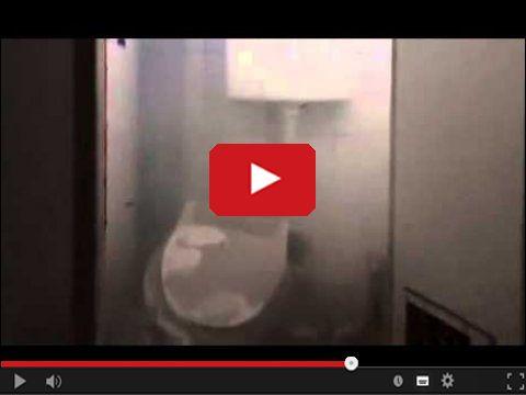 Odblokować zapchaną toaletę