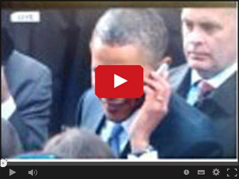Obama zabiera komuś telefon