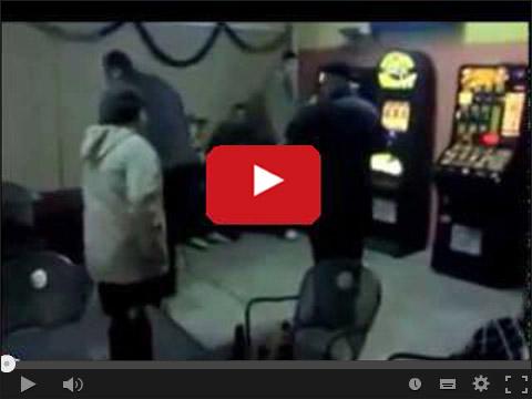 Babcia przegania dziadka z kasyna