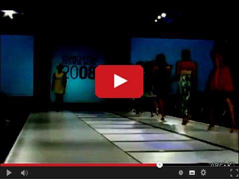 Modelka znikająca podczas pokazu