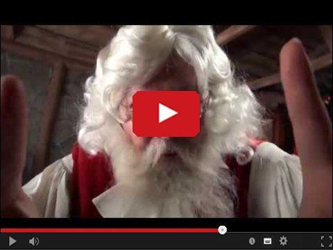 Święty Mikołaj przed kamerką internetową