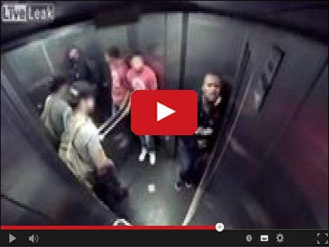 Sraczka w windzie