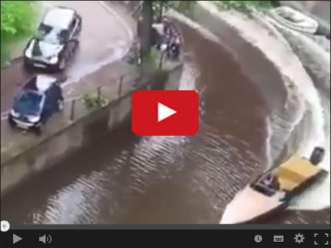Wyścig łodzi motorowej z samochodem