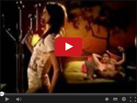 Dziewczyna tańcząca na rurze