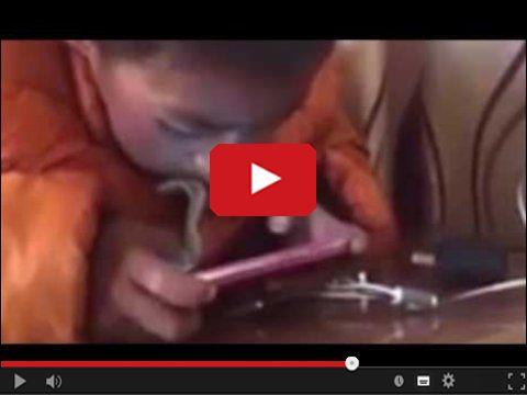 Czy smartfon pochłania cały nasz czas i uwagę?