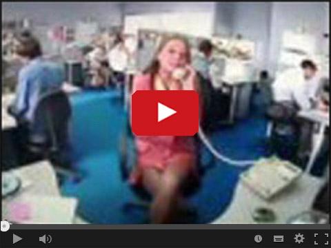 Denerwująca gadka przez telefon w pracy