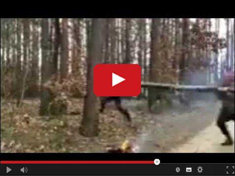 Postanowili rozpalić ognisko w lesie