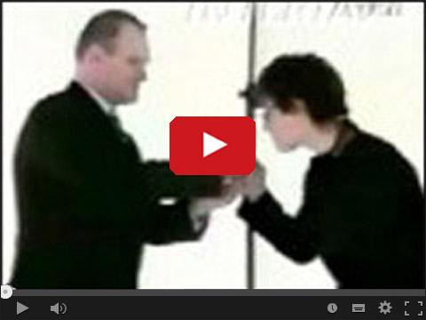 Kazimiera Szczuka całuję rękę prezesa