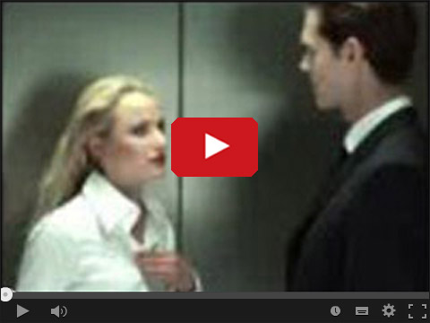 Blondynka w windzie
