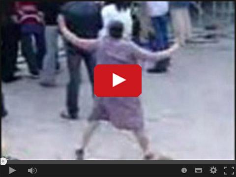 Babcia tańczy prawie jak techno