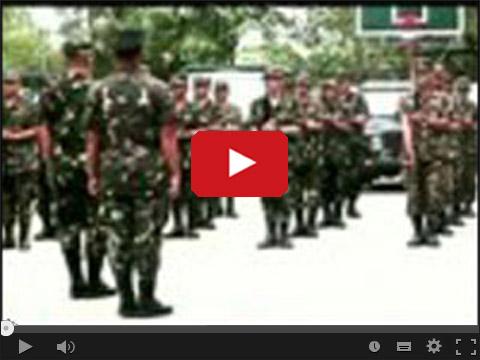 Filipińska armia tańczy Papaya Dance